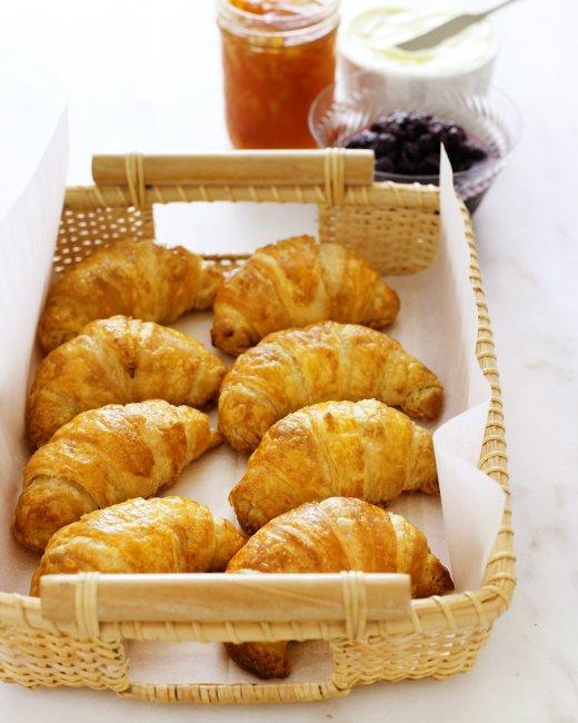 almond-croissants-mblb2006_vert