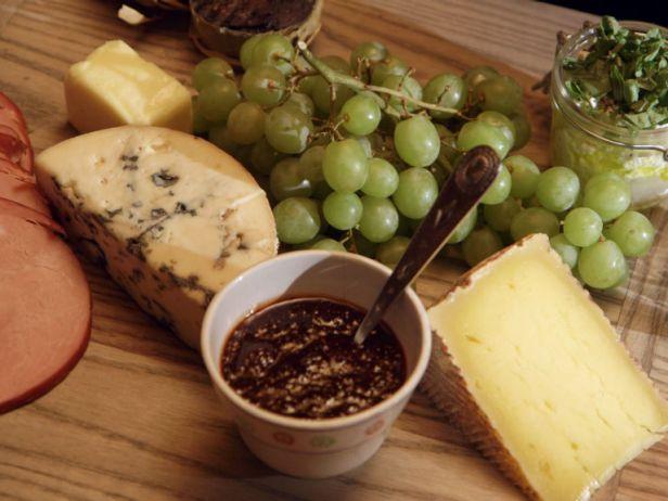 BXSP04H_Cheese-and-Ham-Board_s4x3.jpg.rend.snigalleryslide