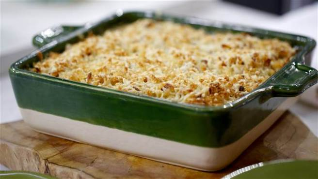 kelsey-nixon-tuna-noodle-casserole-today-20160125-tease_37eea4cac6e9bb4009ec1fd6b8653c2e.today-inline-large