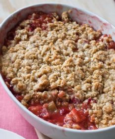 806_215 strawberry rhubarb crisp