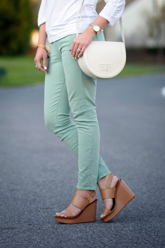 mint-jeans-white-top-at-jenners-pond-3a-700x1050