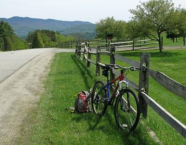 stowe-biking-fence
