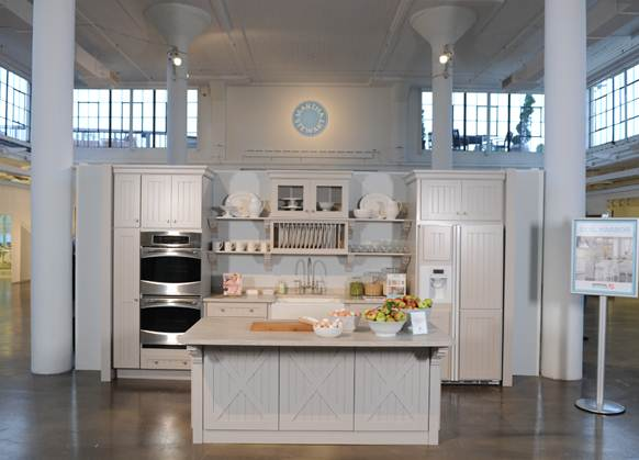 martha-stewart-kitchen-Seal-Harbor-