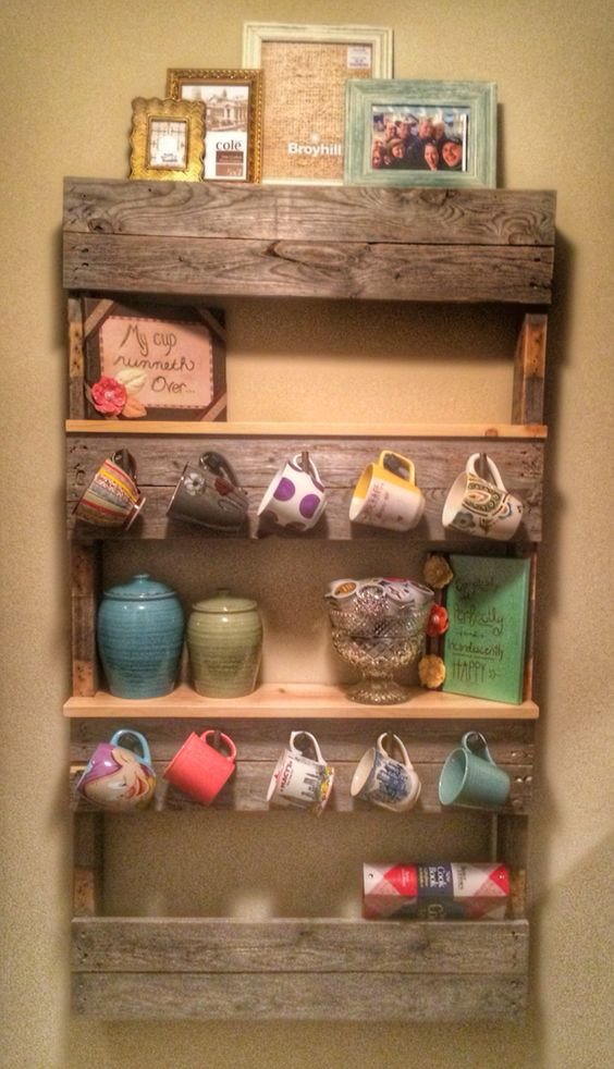 Pallet-Shelf-Mug-Rack-