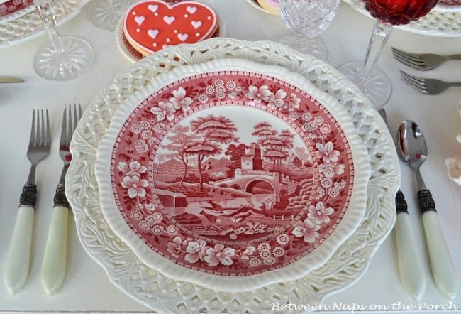 valentines-day-tablescapes-table-settings-6
