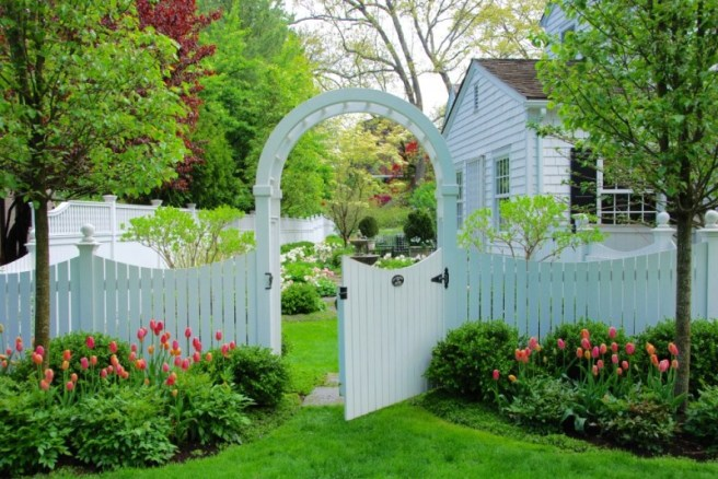 arbour-flowers-landscaping-tulips